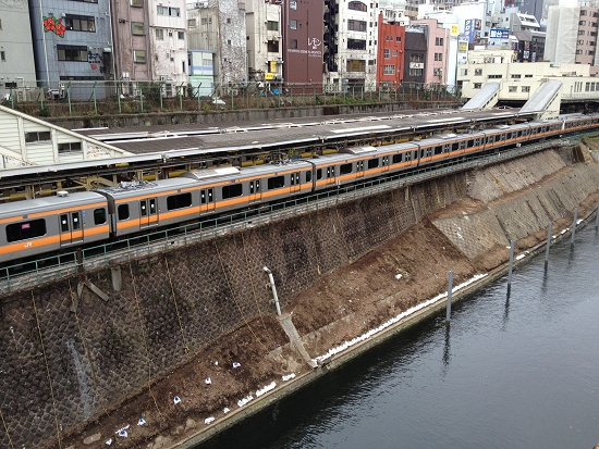 御茶ノ水駅201302.JPG