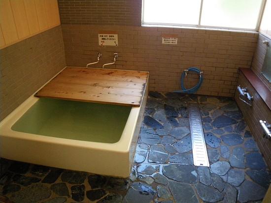 鳩待山荘の風呂.jpg