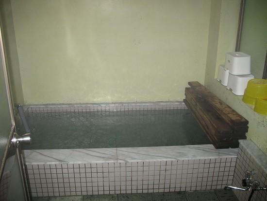 尾瀬ロッジの風呂.jpg